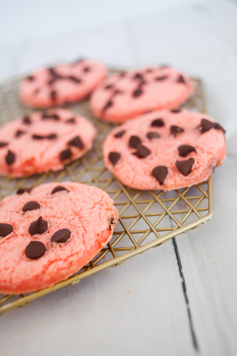 Strawberry Cheesecake Cake Mix Cookies