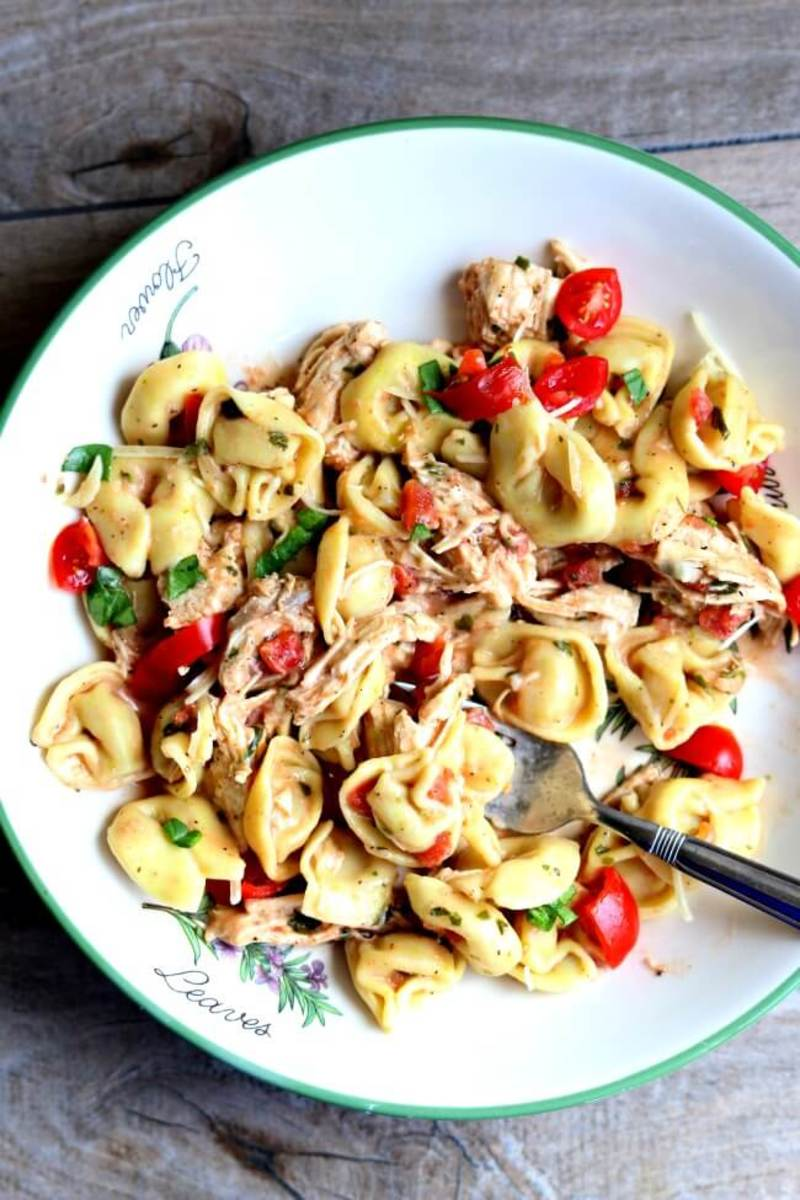 slow-cooker-creamy-basil-tortellini-and-chicken