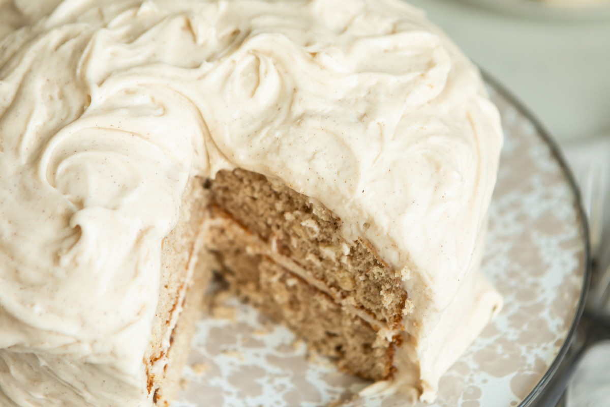 best snickerdoodle cake with cream cheese frosting