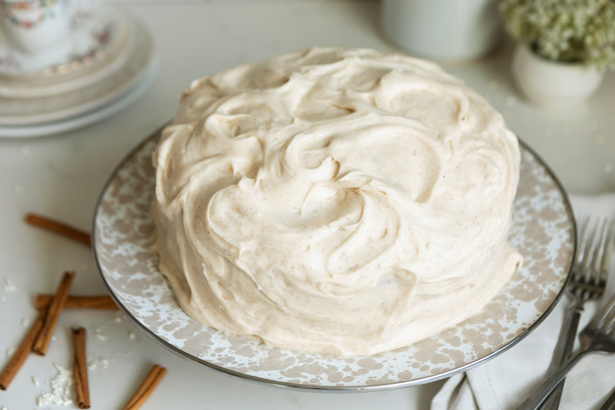 Snickerdoodle Cake with cream cheese frosting