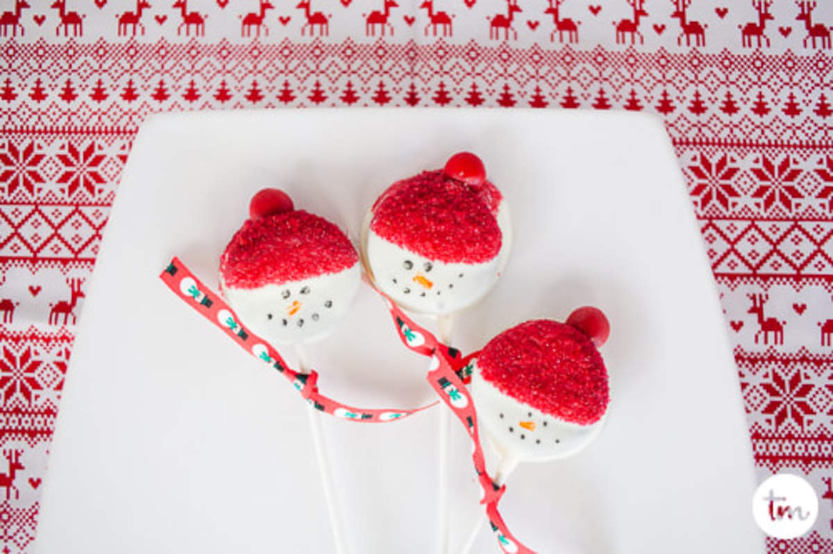 Easy Christmas Chocolate Dipped Treats
