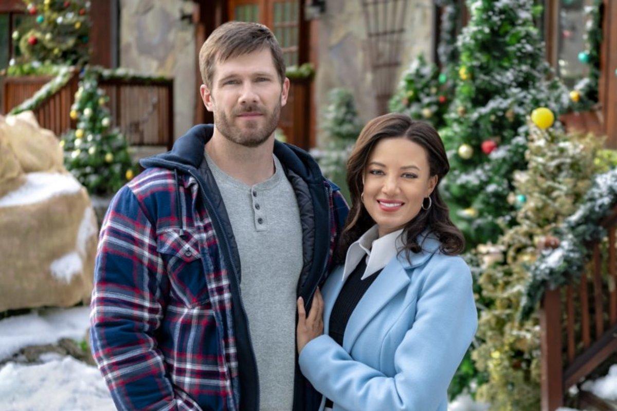 Hallmark Movies and Mysteries Christmas Luke Macfarlane