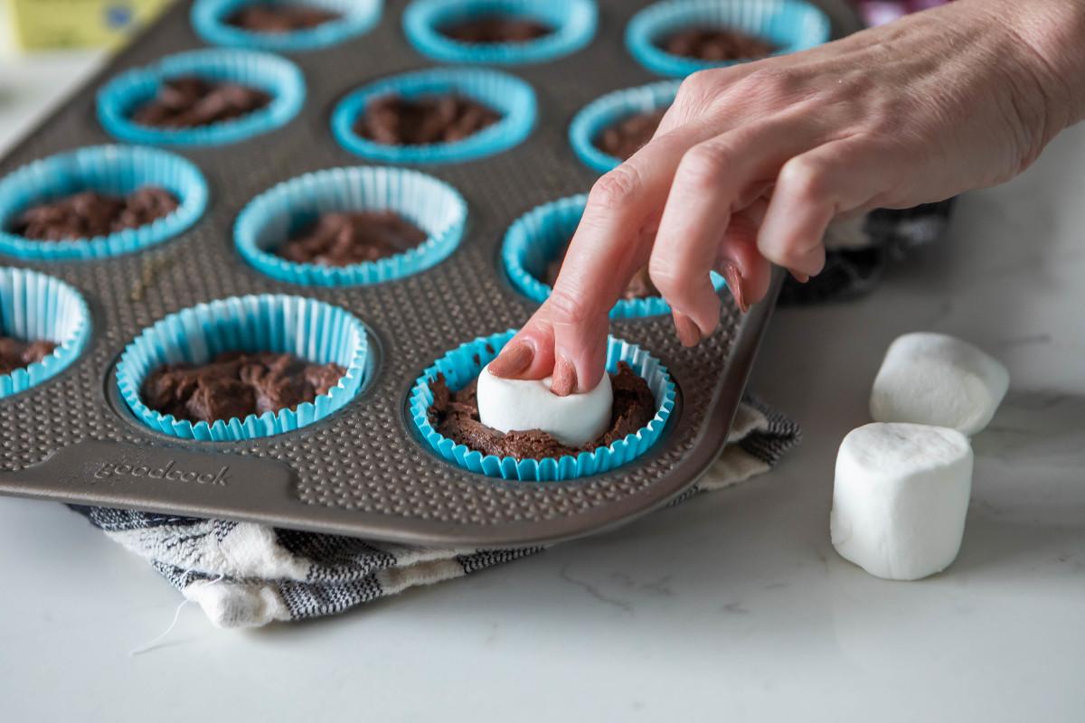 Best Chocolate Cupcake Marshmallow Center